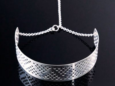 collar-cuello-tachitas-metal-1